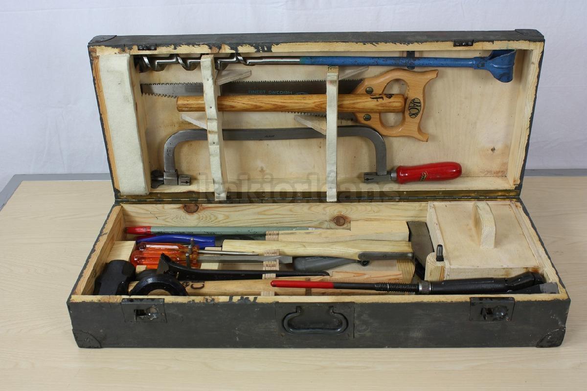 caisse outils en bois pour charpentier couvreur arm e su doise dans rayon titre. Black Bedroom Furniture Sets. Home Design Ideas